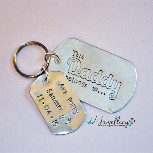 """Personalised Etched """"This Daddy belongs to..."""" Extra Large Dog Tags Keyring"""